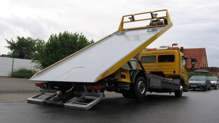 wyciągarka hydrauliczna na samochodzie pomocy drogowej
